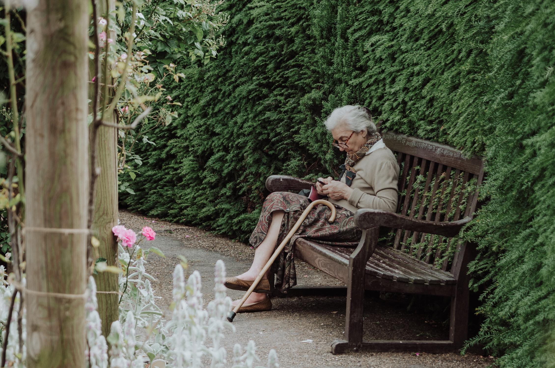 """""""Nem dédelgetem a múltam"""" – beszélgetés a nyolcvanas éveiben járó Székely Edith-tel, aki idős embereknek ad biztatást"""